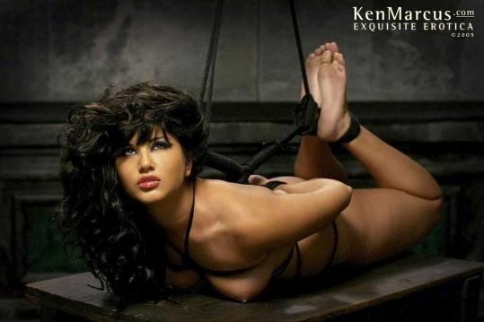 Sunny Leone Bound