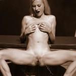Naked Dee Dee